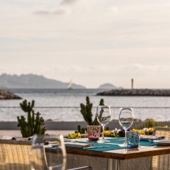 Отель Pullman Marseille Palm Beach пляж фото 2