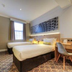 Отель Comfort Inn & Suites Kings Cross Лондон комната для гостей