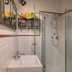 Отель Home and Jukebox ванная