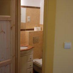 Отель Academus - Cafe/Pub & Guest House 3* Номер Эконом с разными типами кроватей фото 2
