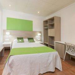 Отель Hostal Adelino Улучшенный номер с различными типами кроватей фото 3