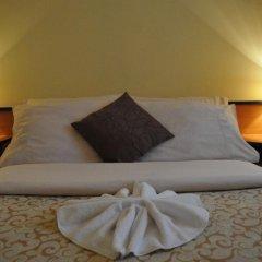 Отель Galerija 3* Стандартный номер с двуспальной кроватью фото 14