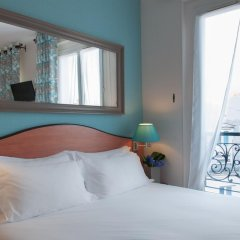 Отель Hôtel Eden Montmartre 3* Улучшенный номер с двуспальной кроватью фото 6