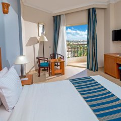 Отель Hawaii Riviera Aqua Park Resort 5* Стандартный номер с различными типами кроватей фото 13