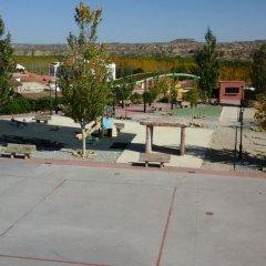 Отель Cuevas de Medinaceli спортивное сооружение