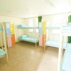 Kimchee Downtown Guesthouse - Hostel Кровать в общем номере с двухъярусной кроватью фото 9