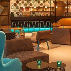 Отель Motel One Berlin-Potsdamer Platz Германия, Берлин - отзывы, цены и фото номеров - забронировать отель Motel One Berlin-Potsdamer Platz онлайн гостиничный бар