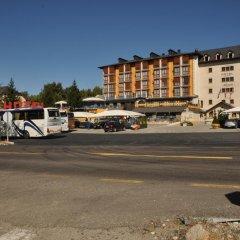 Отель Complejos J-Enrimary парковка