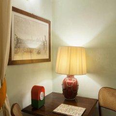 Отель Antica Dimora Firenze 3* Номер Делюкс с различными типами кроватей фото 13