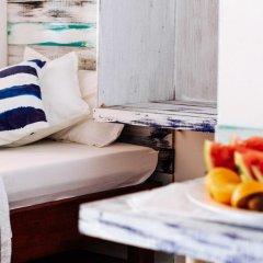 Отель Cokes Surf Camp Остров Гасфинолу в номере