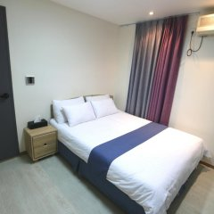 Отель Must Stay 2* Стандартный номер с двуспальной кроватью фото 10