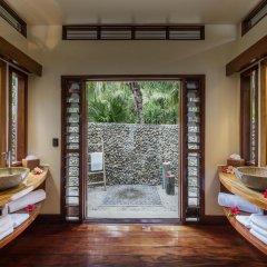 Отель Likuliku Lagoon Resort - Adults Only 5* Бунгало с различными типами кроватей