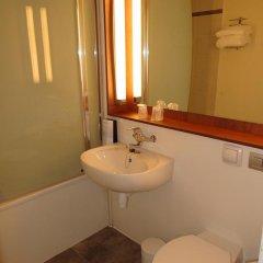 Отель Campanile Marseille St Antoine 3* Стандартный номер с различными типами кроватей фото 5
