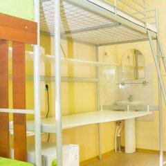Хостел Миллениум Кровать в мужском общем номере с двухъярусными кроватями фото 3