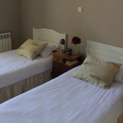 Being Porto Hostel Стандартный номер с 2 отдельными кроватями (общая ванная комната)