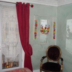 Отель Hôtel Le Petit Trianon 3* Стандартный номер с двуспальной кроватью фото 3