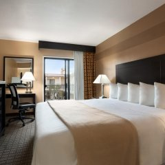 Отель Days Inn by Wyndham Hollywood Near Universal Studios комната для гостей фото 4