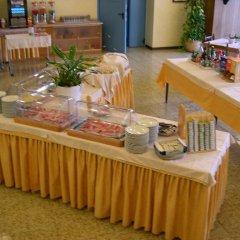 Отель Residence Miralago Rooms & Apartments Италия, Манерба-дель-Гарда - отзывы, цены и фото номеров - забронировать отель Residence Miralago Rooms & Apartments онлайн питание