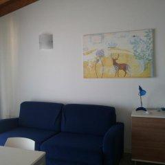 Отель Montecolo Resort Манерба-дель-Гарда комната для гостей