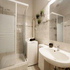 Отель Deak Design Flat Венгрия, Будапешт - отзывы, цены и фото номеров - забронировать отель Deak Design Flat онлайн ванная