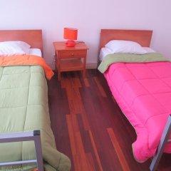 Отель Pousada de Juventude de Ponta Delgada Понта-Делгада комната для гостей фото 3
