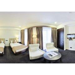 Отель Амбассадор 4* Стандартный семейный номер с двуспальной кроватью
