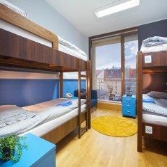 Hostel Bureau Кровать в общем номере с двухъярусной кроватью фото 9