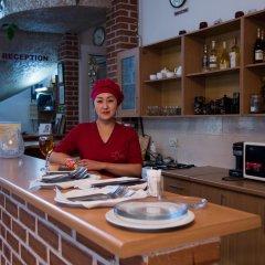Отель Мини-Отель Alpinist Кыргызстан, Бишкек - отзывы, цены и фото номеров - забронировать отель Мини-Отель Alpinist онлайн гостиничный бар