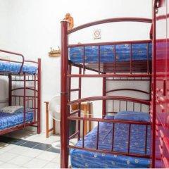 Отель Hostal de Maria Кровать в мужском общем номере с двухъярусной кроватью фото 3