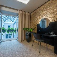 Отель Artagonist Art Hotel Литва, Вильнюс - 1 отзыв об отеле, цены и фото номеров - забронировать отель Artagonist Art Hotel онлайн удобства в номере фото 2