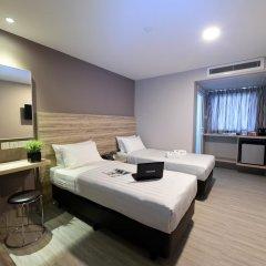 Отель Ibis Budget Singapore Crystal 2* Улучшенный номер с различными типами кроватей фото 4