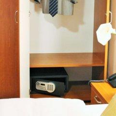 Отель Rex сейф в номере