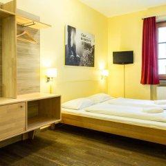 Euro Youth Hotel Munich Мюнхен сейф в номере