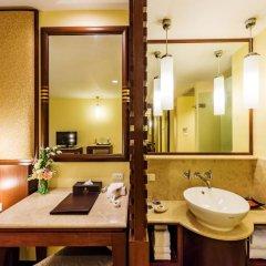 Отель Duangjitt Resort, Phuket 5* Номер Делюкс с двуспальной кроватью фото 8