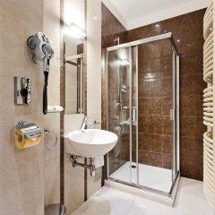 Grape Hotel 5* Улучшенные апартаменты с различными типами кроватей фото 6