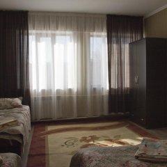 Отель Akmaral Кыргызстан, Каракол - отзывы, цены и фото номеров - забронировать отель Akmaral онлайн комната для гостей