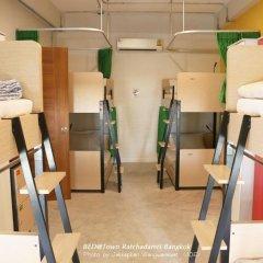Bed@town Hostel Бангкок спортивное сооружение