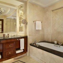 Отель The Ritz Carlton Guangzhou Гуанчжоу ванная фото 2