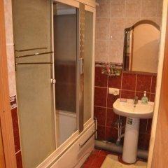 Гостиница Cottege at Novoselov в Уфе отзывы, цены и фото номеров - забронировать гостиницу Cottege at Novoselov онлайн Уфа ванная