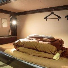 Fukuoka Hana Hostel Кровать в общем номере фото 2