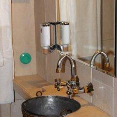 Отель Dedo Pene Inn ванная фото 3