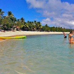 Отель Blue Lagoon Beach Resort Фиджи, Матаялеву - отзывы, цены и фото номеров - забронировать отель Blue Lagoon Beach Resort онлайн пляж фото 2