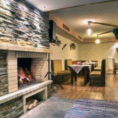 Отель Forest Nook Aparthotel Болгария, Пампорово - отзывы, цены и фото номеров - забронировать отель Forest Nook Aparthotel онлайн интерьер отеля