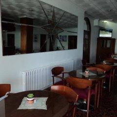 Hotel Via Norte Эль-Грове гостиничный бар