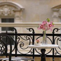 Pera Palace Hotel 5* Угловой номер Greta Garbo с двуспальной кроватью фото 2