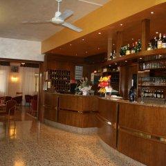 Отель Residence Miralago Rooms & Apartments Италия, Манерба-дель-Гарда - отзывы, цены и фото номеров - забронировать отель Residence Miralago Rooms & Apartments онлайн гостиничный бар