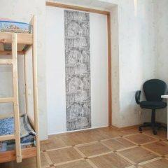 Гостиница Happy House Кровать в мужском общем номере с двухъярусной кроватью фото 6