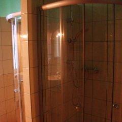 Отель Hostelik Wiktoriański Стандартный номер с 2 отдельными кроватями (общая ванная комната) фото 6