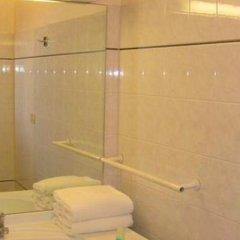 Отель Nice Fleurs Франция, Ницца - отзывы, цены и фото номеров - забронировать отель Nice Fleurs онлайн ванная