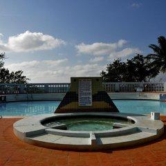 Апартаменты Carib Beach Apartments Negril бассейн